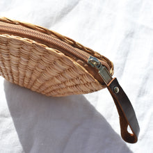 Shell Coin Straw Bag