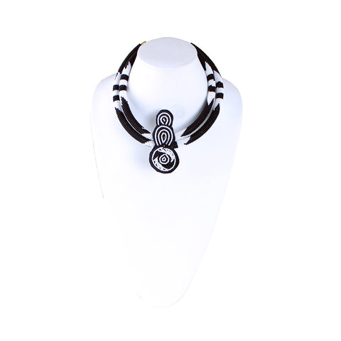 Gzifa Choker Necklace