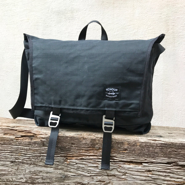 Flap Messenger Black