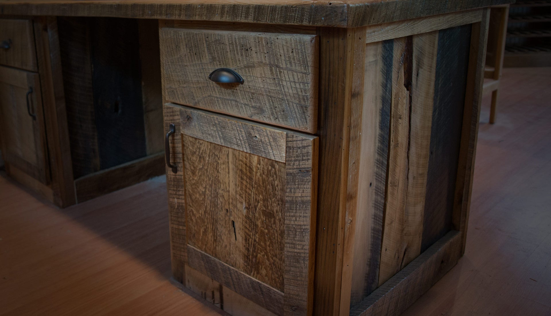 Custom Woods Millwork Reclaimed Wood Furniture Port