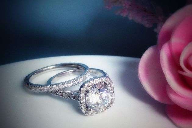 popular engagement rings styles