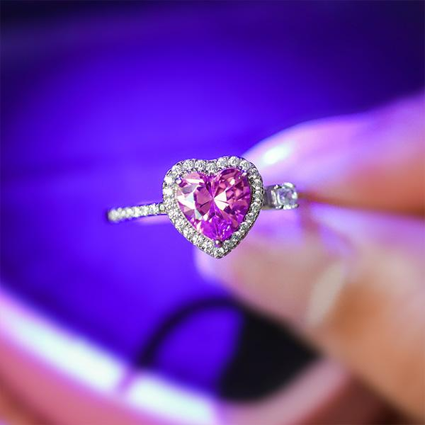 Sweetest Love Pink Heart Ring LED Gift Set