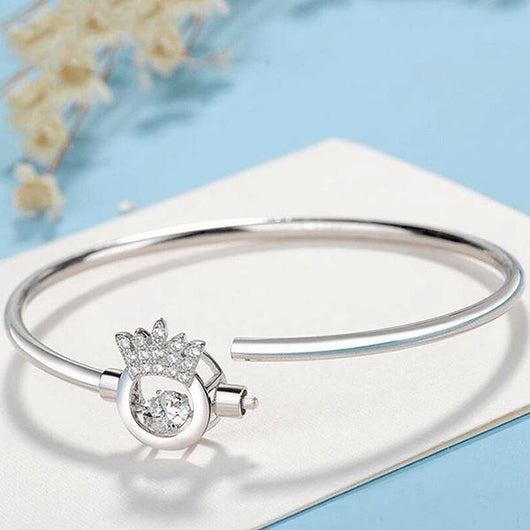 Luxe Crown Bangle