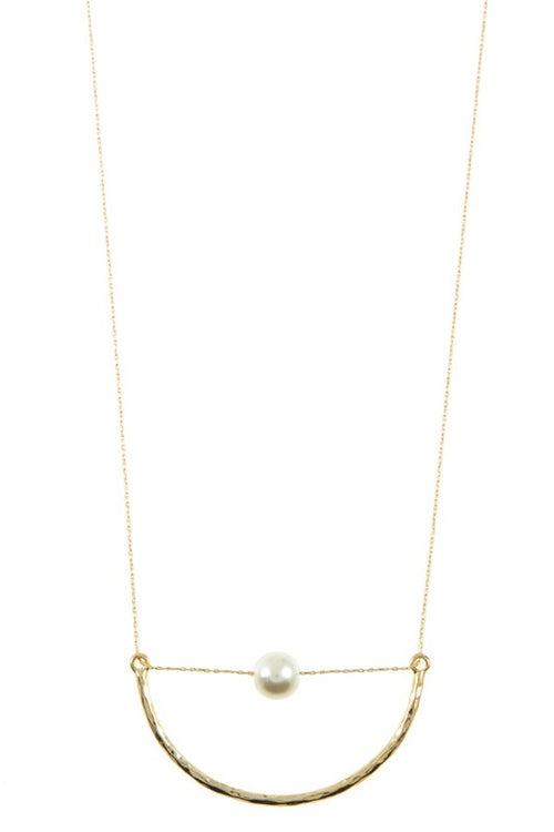 Curved Bar Pearl Necklace