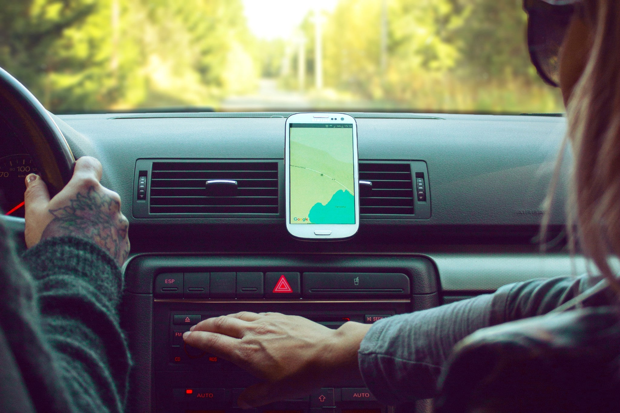 mobile car mount - easy navigation everywhere