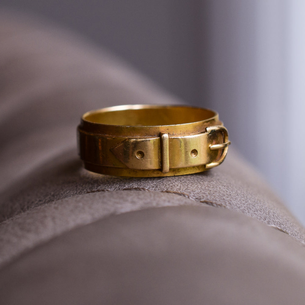 Victorian 18k Gold Buckle Ring