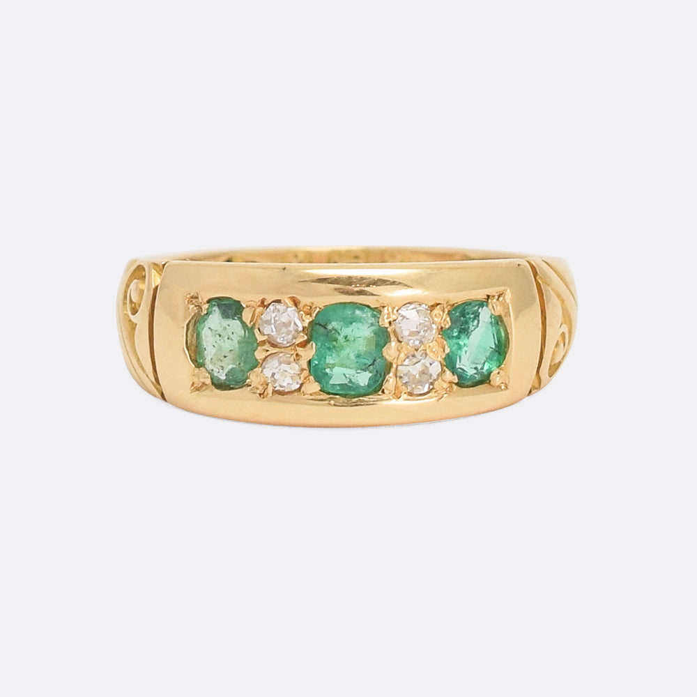 Late Victorian Emerald & Diamond Gypsy Ring