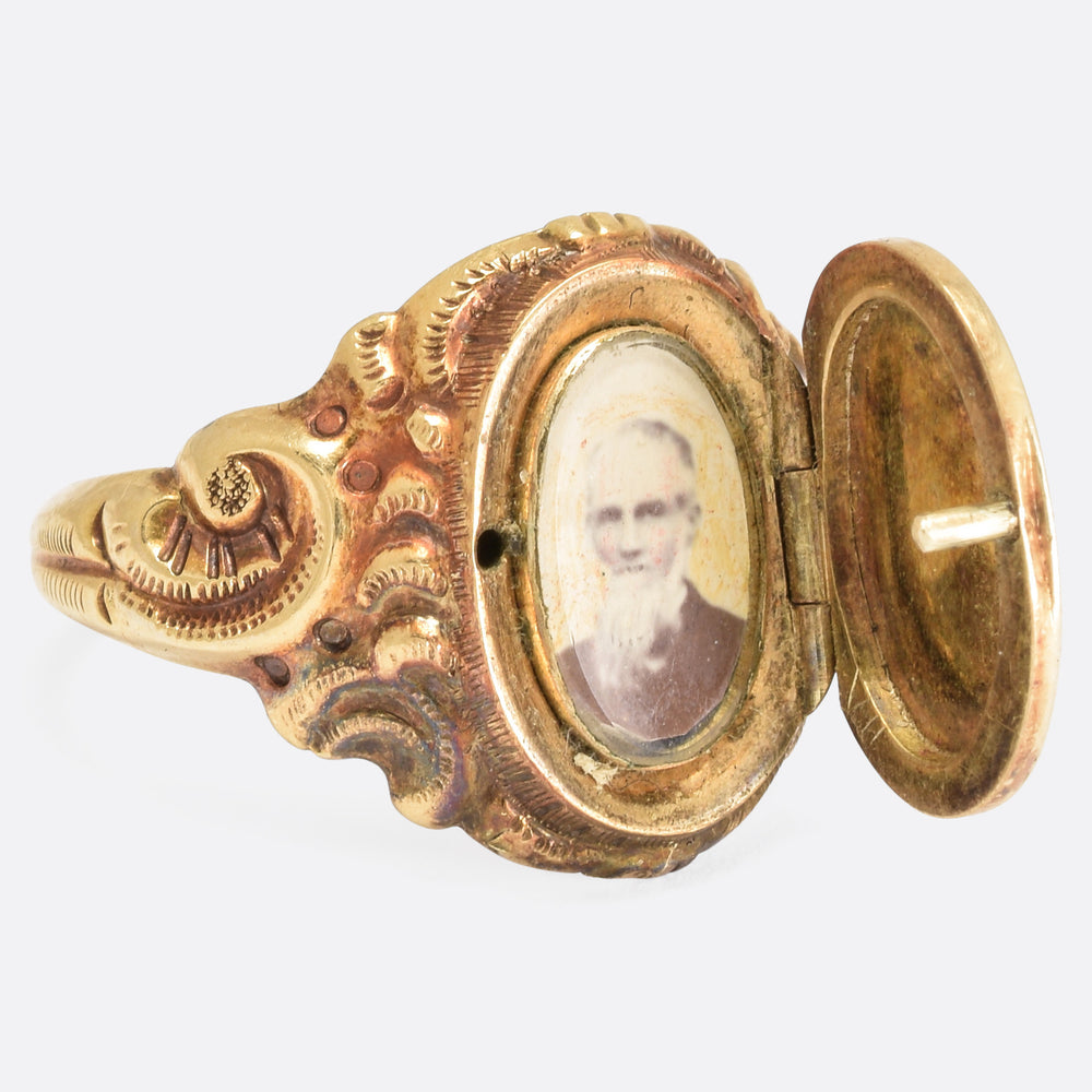 Mid-Victorian Chased Locket Signet Ring