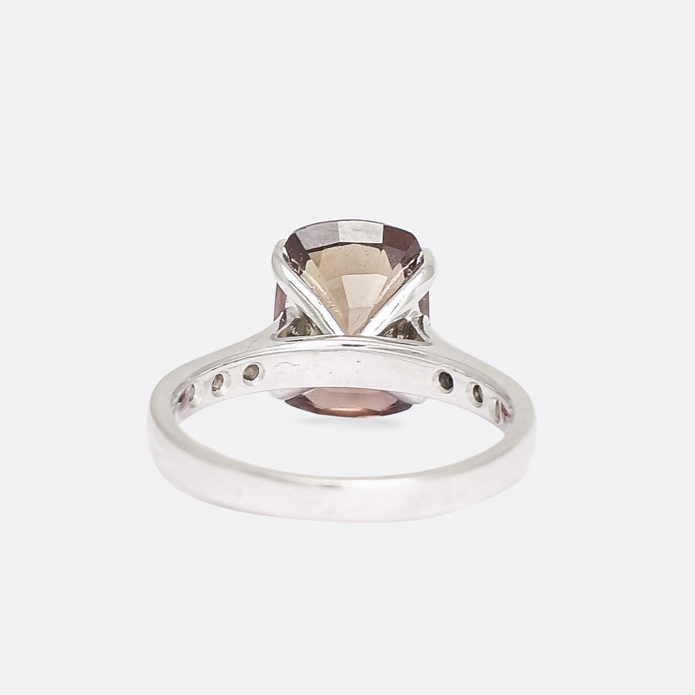 Modern 5.04ct Pink-Green Colour Change Sapphire Solitaire Ring