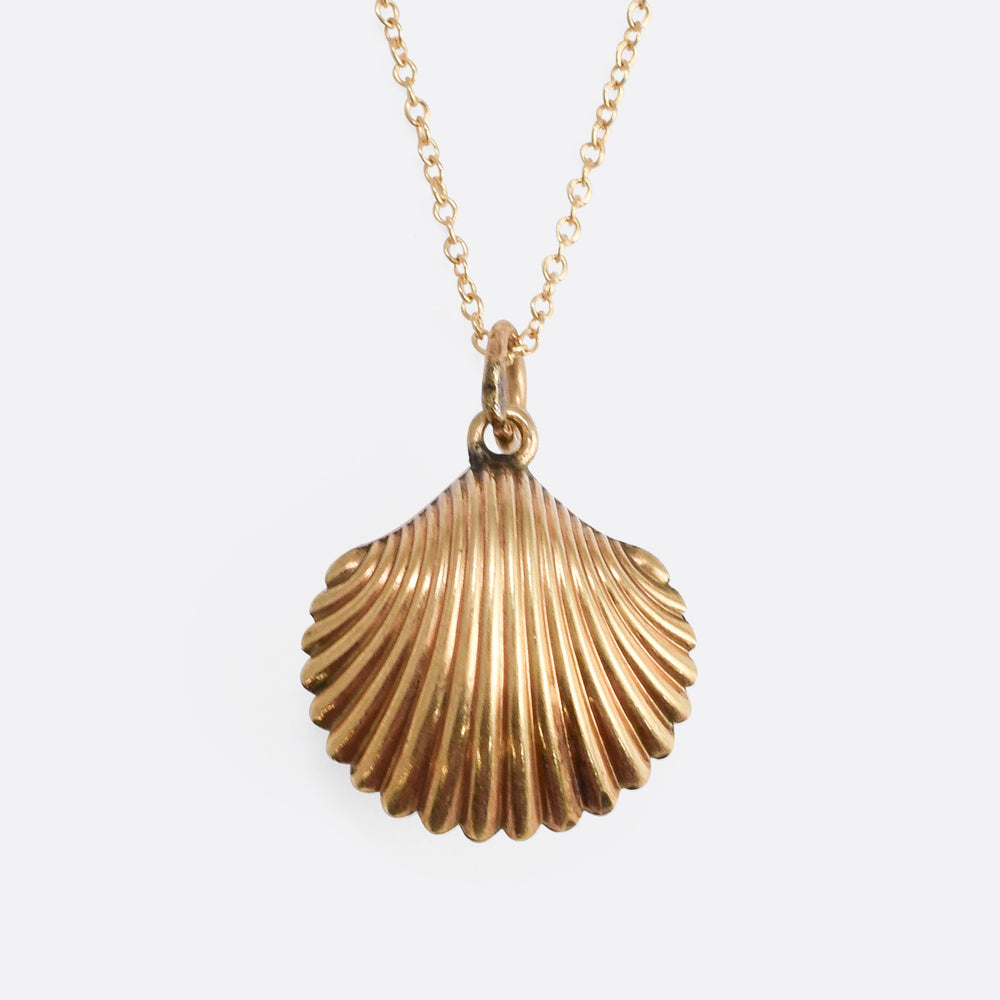 Victorian Gold Scallop Shell Locket