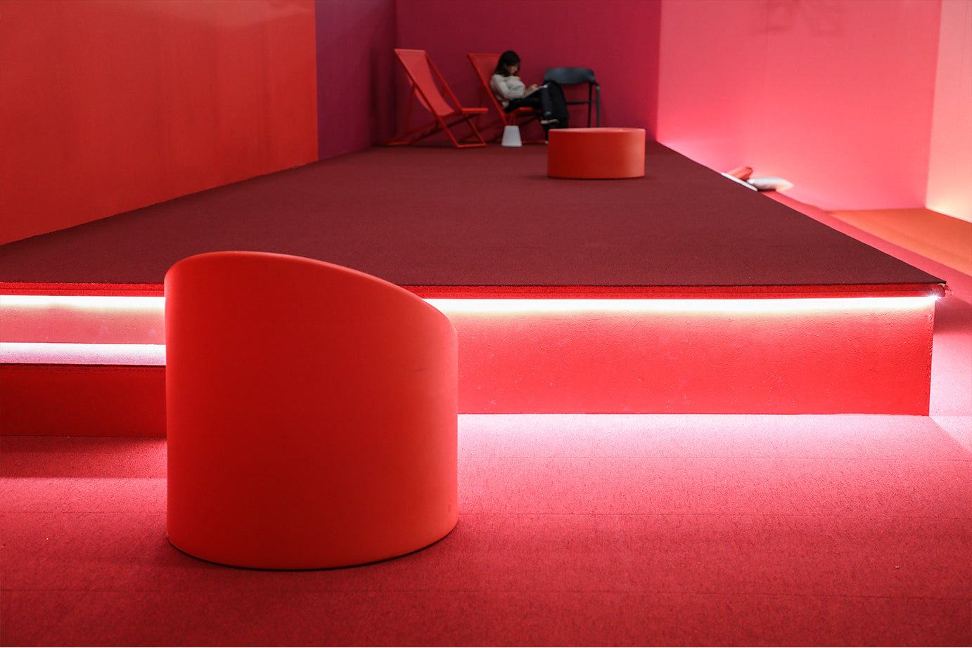 Diabla's red in the VIP room of ARCO Madrid 2020