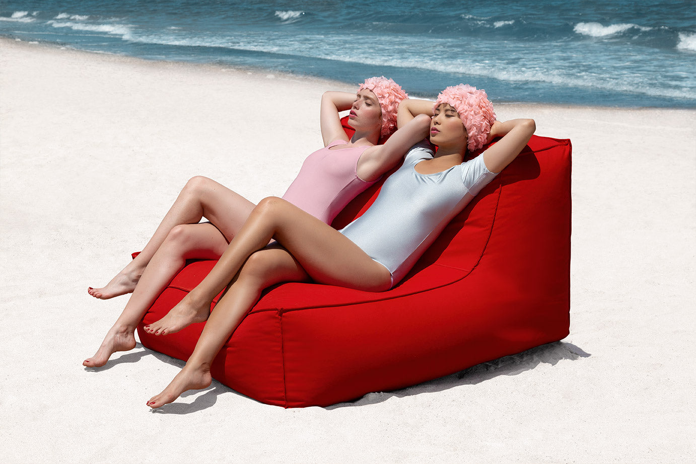 Mareta red lounge chair Diabla