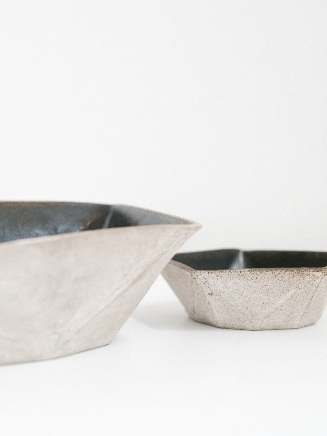 Small Ceramic Facet Bowl in Grey and Black