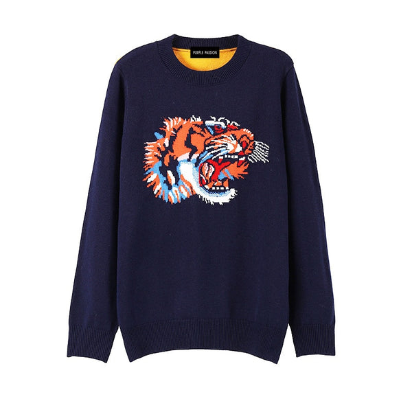 Women's round neck long sleeves dark blue animal pattern yellow back knitwear sweater