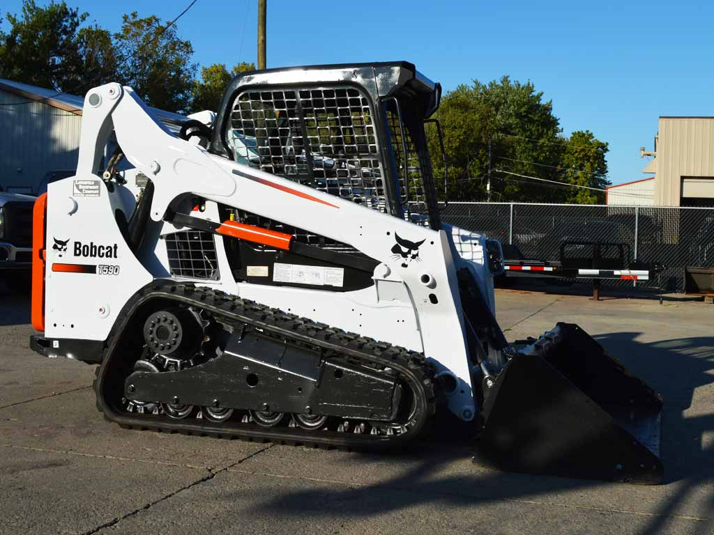BOBCAT T590 COMPACT TRACK LOADER (SN. A3NR11825)