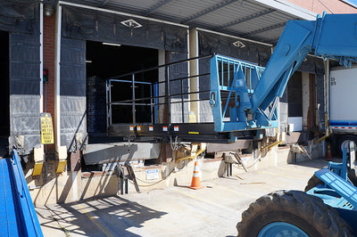 BLUE DIAMOND WORK PLATFORM, (FORK) FORKLIFTS