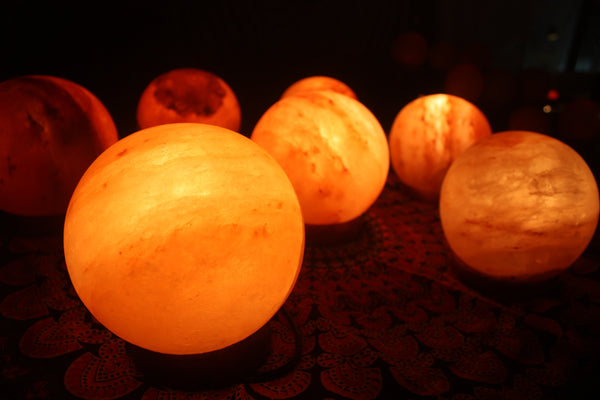be lit brand himalayan salt rock lamps.