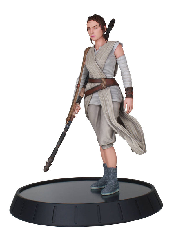 STAR WARS MILESTONES FORCE AWAKENS REY 1/6 SCALE STATUE - The Comic Mint