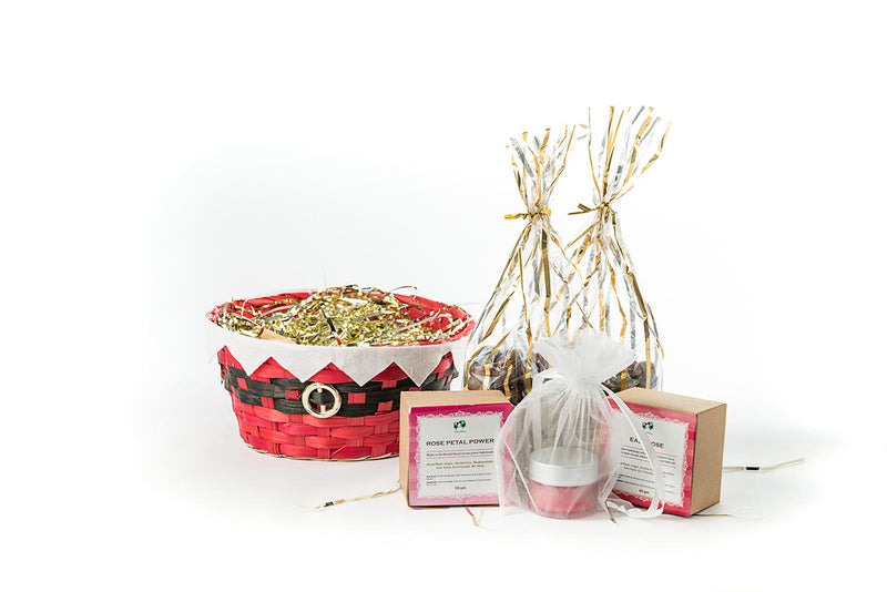 products/Basket_display_candle_bath_bombs_rose_chocolate_web.jpg