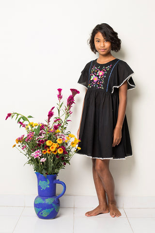 garnett dress black with crochet and hand stitch (teen)