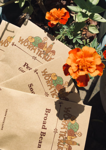 Organic plant seeds packets