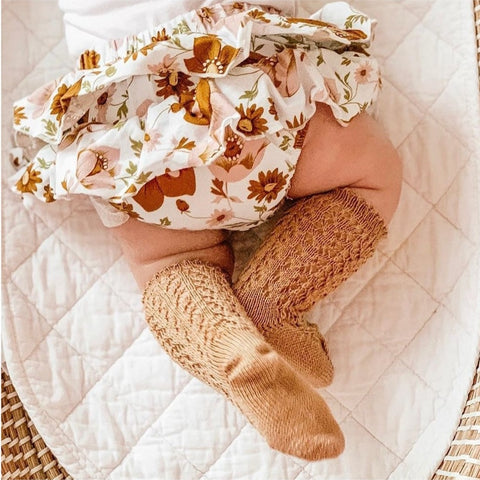 CÓNDOR Openwork Lace Knee High Socks - Camel