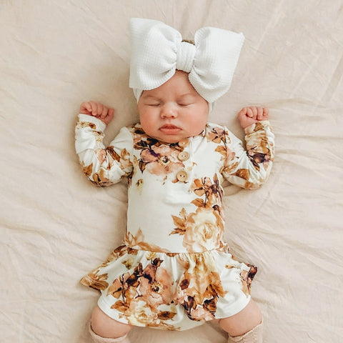 BLONDES IN BOWS Headwrap - White