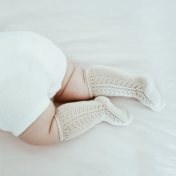 CONDOR Side Openwork Lace Knee High Socks - Linen