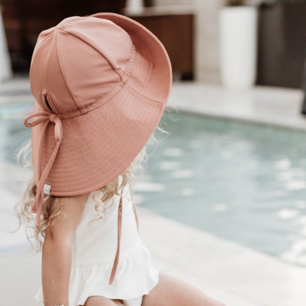 FINI. FLOPPY SWIM HAT - COCOA