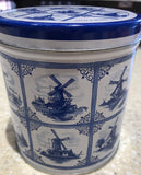 Delft blue tin with a pack of 8 stroopwafel (1Tin)