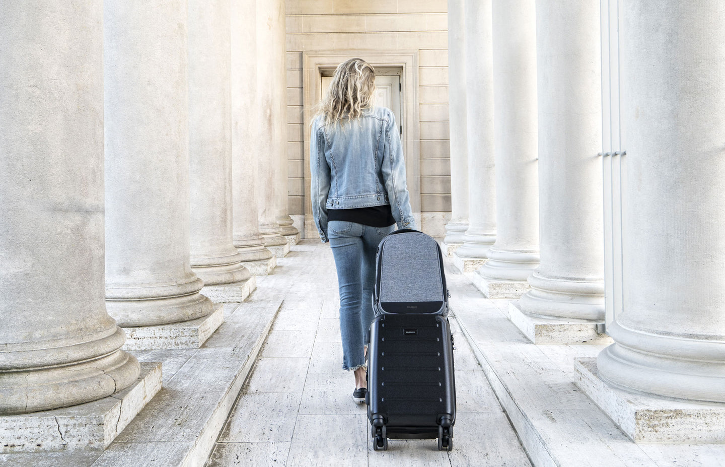 Premium, travel luggage and bags for global citizens