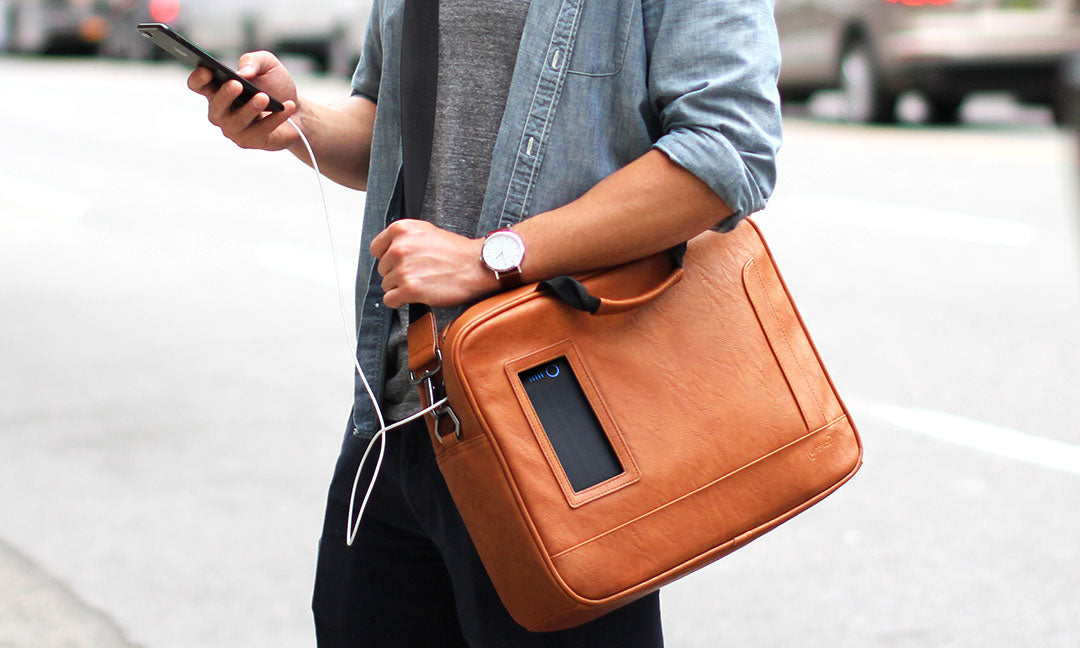 solgaard sustainable shoulder bag with solar powerbank charging capabilities
