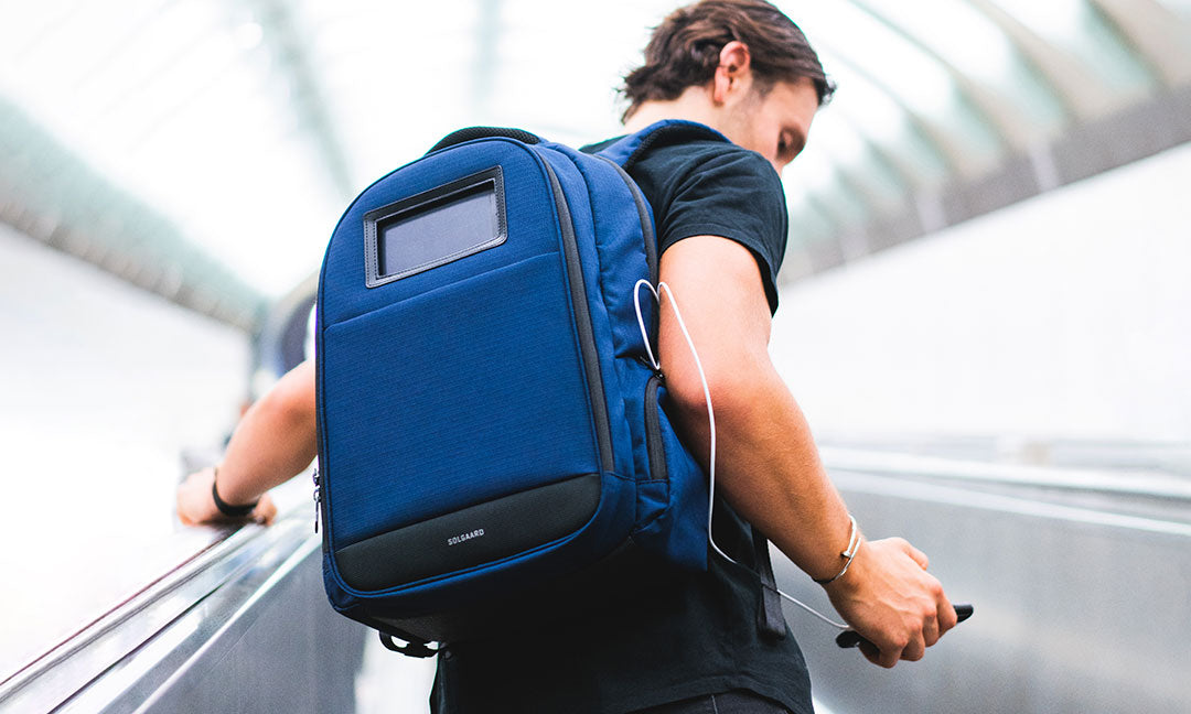 solgaard lifepack sustainable lifepack in blue with solarbank