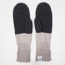 Women's Chopper Mittens with Gray/Cream Liner