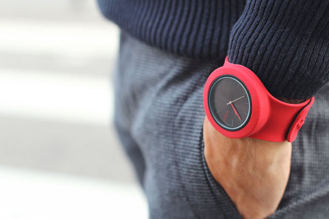 montre-silicone-rouge
