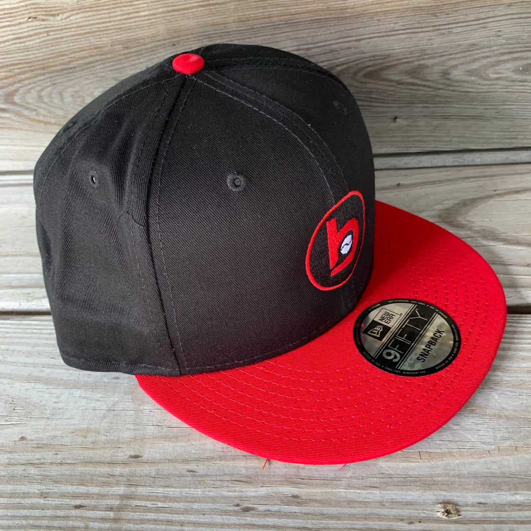 New Era Flat-Brim Snap-Back Circle b logo (Black/Red)