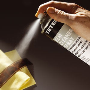 105198 Tetenal Film Cleaner Spray Removes fingerprints, greasy deposits effortlessly