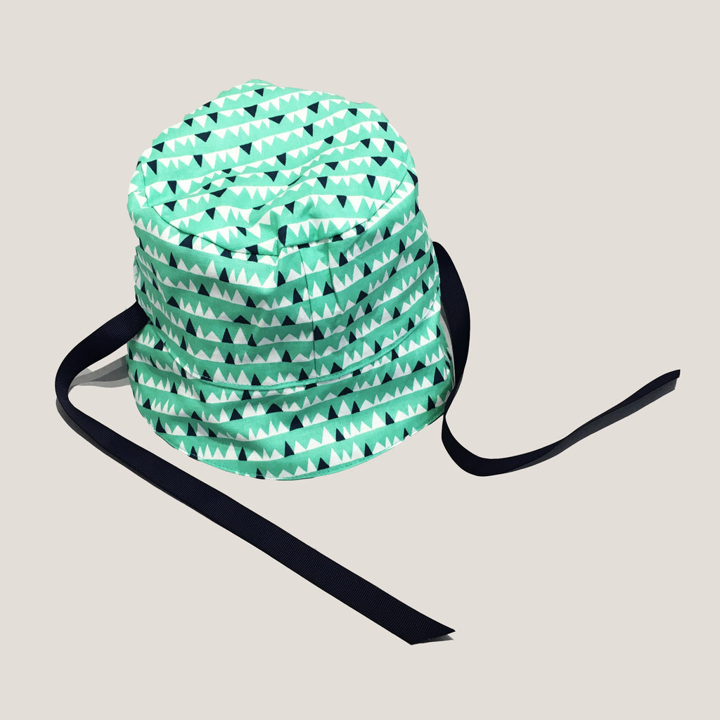 Chapeau reversible handmade quebec summer Green