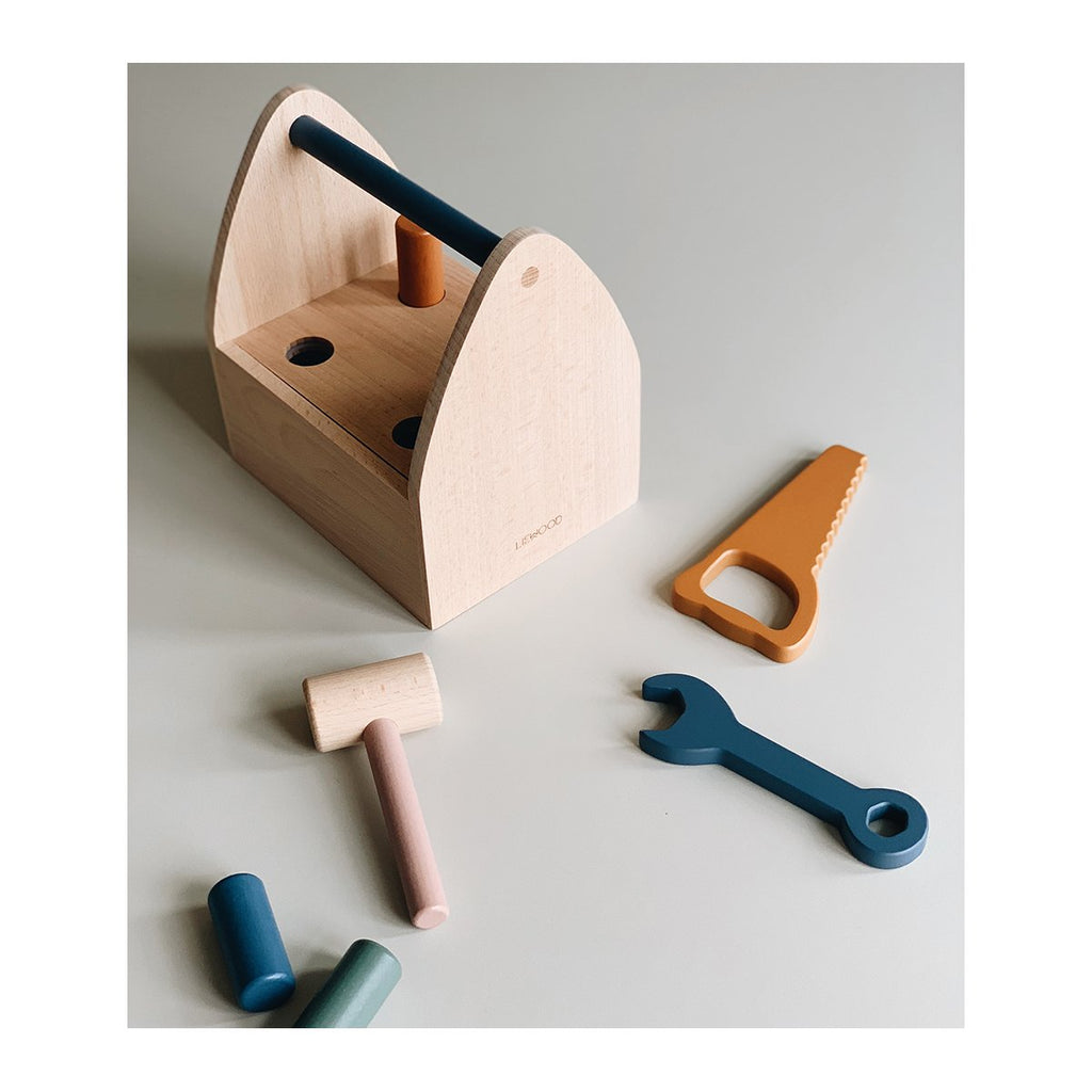 Liewood_billi_multibox_wood_toys_joeut_bois_woodentoys_quebec-lesptitsmosus_outils_blocs_1