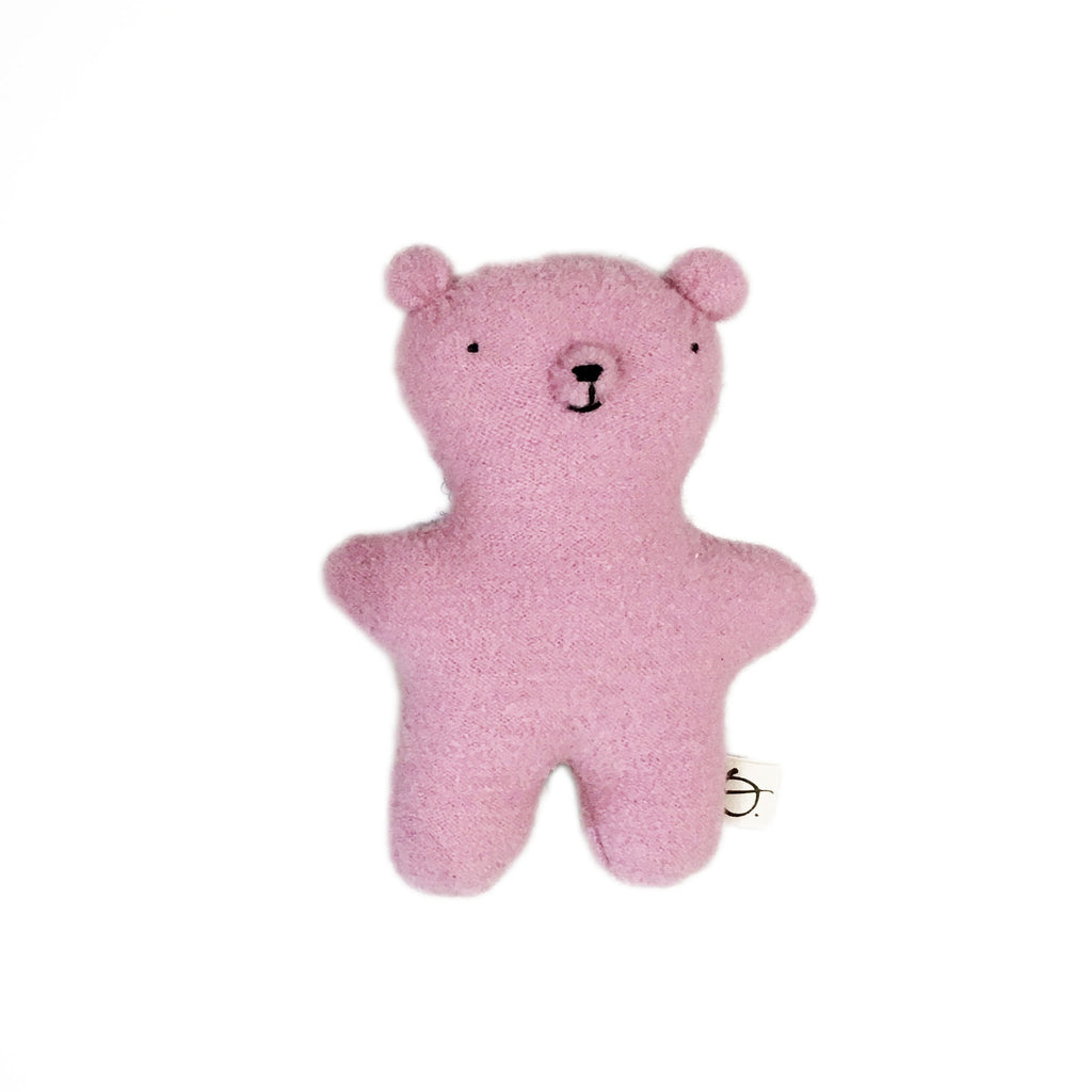 Ouistitine_quebec_madeinquebec_enfant_kidsstore_recycled_wool_laine_handmade_ourson_ours_bear_rose copie