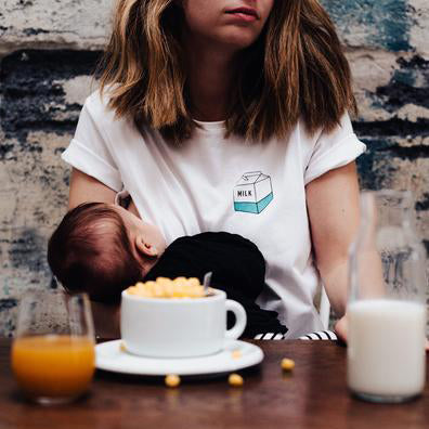 "T-shirt allaitement - ""Take away milk"""