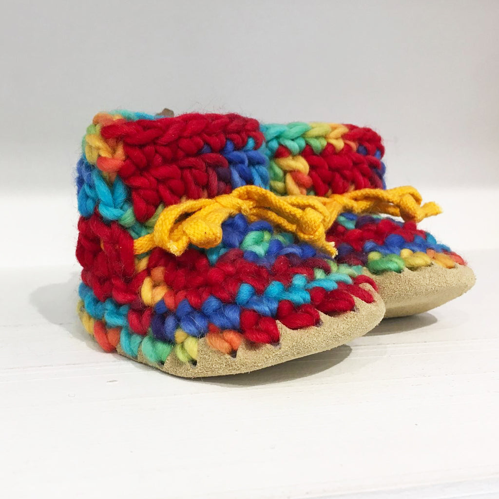 Baby Slipper Padraig Cottage - Color Rainbow - 100% wool.