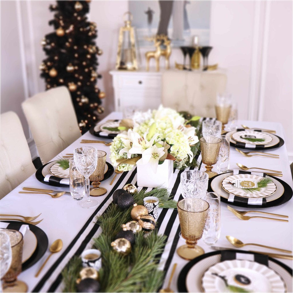 How To Style A Christmas Table Setting & How To Style A Christmas Table Setting - Styled Settings