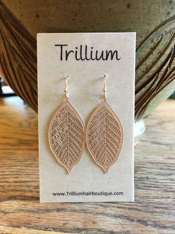 Small gold leaf earring