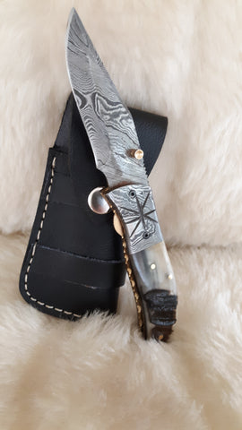 """STAR RIDER"" DAMASCUS SHEEP HORN FOLDER W/CROSS DRAW SHEATH"