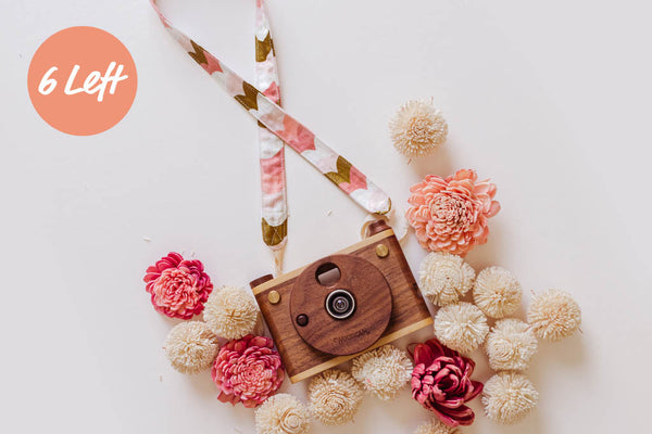 Single Lens Wooden Digital Camera Full HD + Valentine's Day Strap ($167 Value)