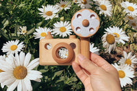 Father's Factory Wooden toy camera, 35MM Big flash with  detachable magnetic side flash, clickable button and kaleidoscopic lens. Flash disk can be spin. Perfect for outdoor pretend play, creative play, child-led play.
