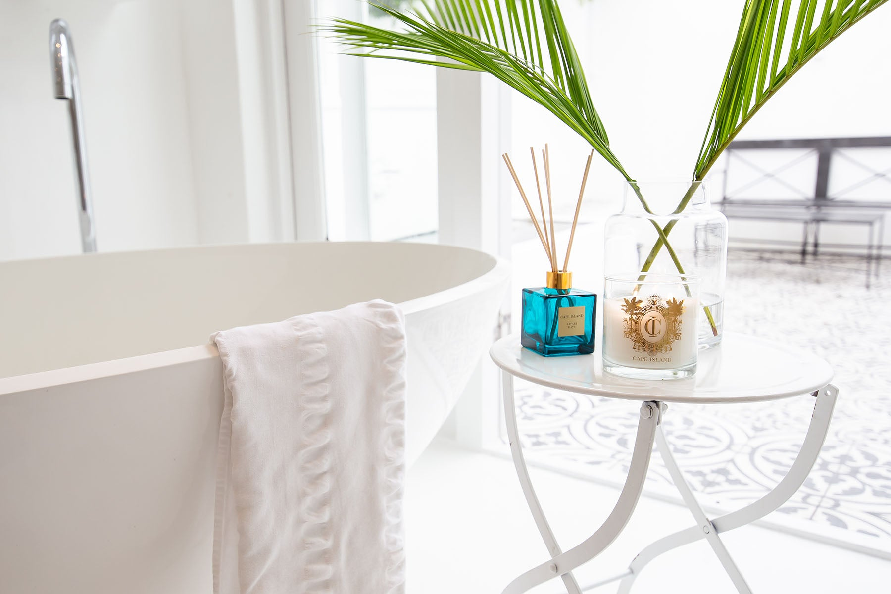 The Cape Island Clifton Beach diffuser and candle.. Cape Island luxury candles, soap products and home fragrances are available at Sarza home goods and furniture store in Rye New York.