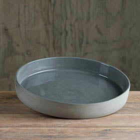Prêt-à-Pot handmade ceramic platter available at Sarza home goods and furniture store, Rye, New York.