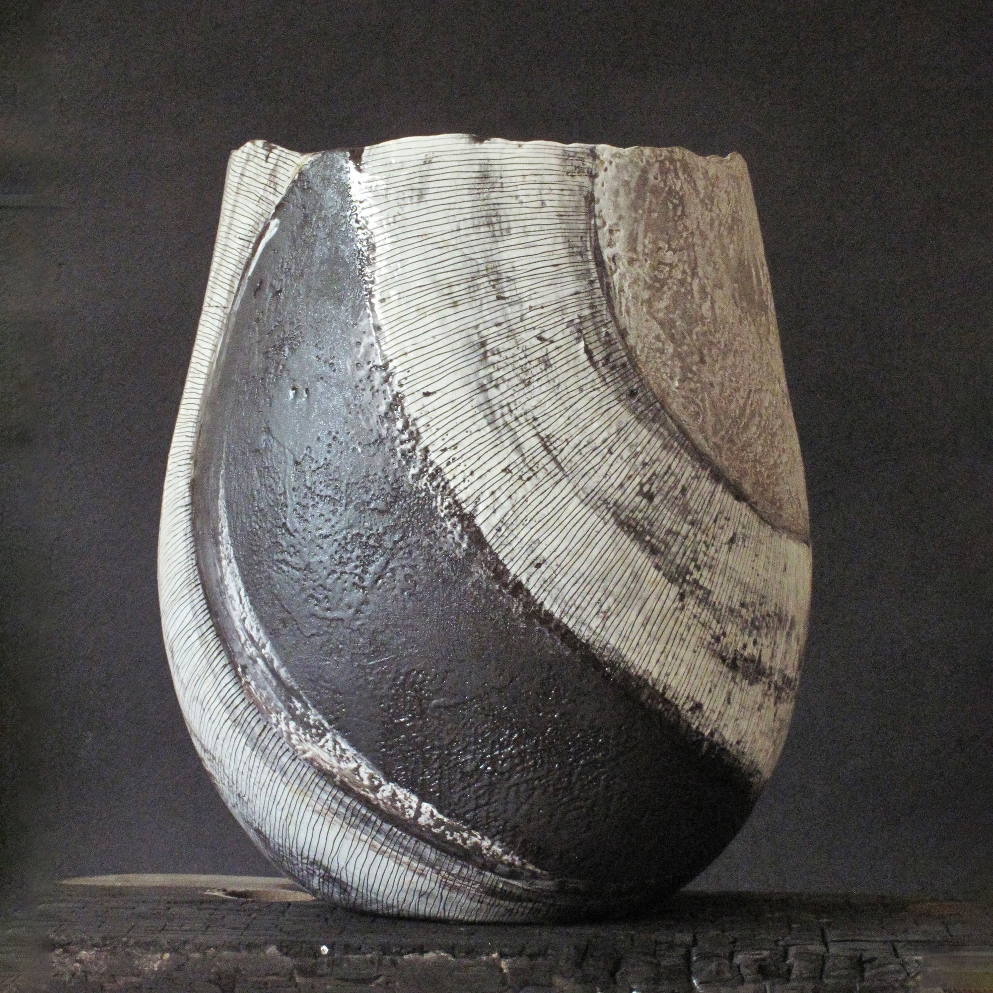 CERAMIC VESSEL NATURAL EARTH COLLECTION